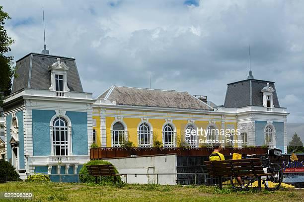 the casino at bagneres de bigorre, haute garonne, france - バニェールドビゴール ストックフォトと画像