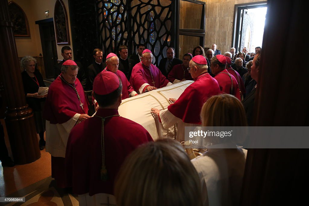 Chicago Catholics Pay Respects To Late Francis Cardinal George : News Photo