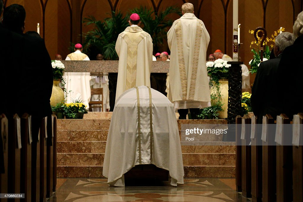 Funeral Mass Held For Francis Cardinal George In Chicago : News Photo