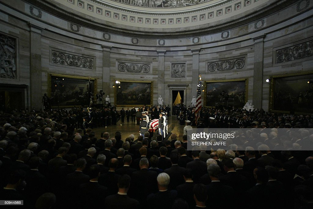 The casket of former US President Ronald Reagan rests in the Rotunda of the US Capitol Building 09 June, 2004 in Washington, DC. Reagan's body was brought to the Capitol for a state funeral and will lie in state there until 11 June. AFP PHOTO Stephen JAFFE/bp