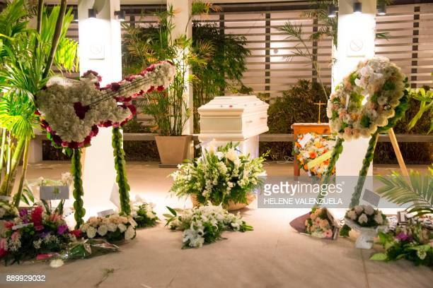 TOPSHOT The casket of French music icon Johnny Hallyday as residents of SaintBarthélemy pay a last tribute before his burial during the public wake...