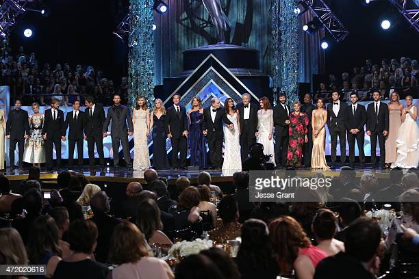 The cast and crew of 'Days of Our Lives' accept the award for Outstanding Drama Series onstage during The 42nd Annual Daytime Emmy Awards at Warner...