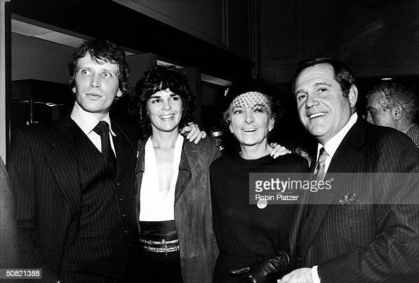 The cast attend the premiere of the film 'Just Tell Me What You Want' directed by Sidney Lumet 1980 From left American actors Peter Weller Ali McGraw...