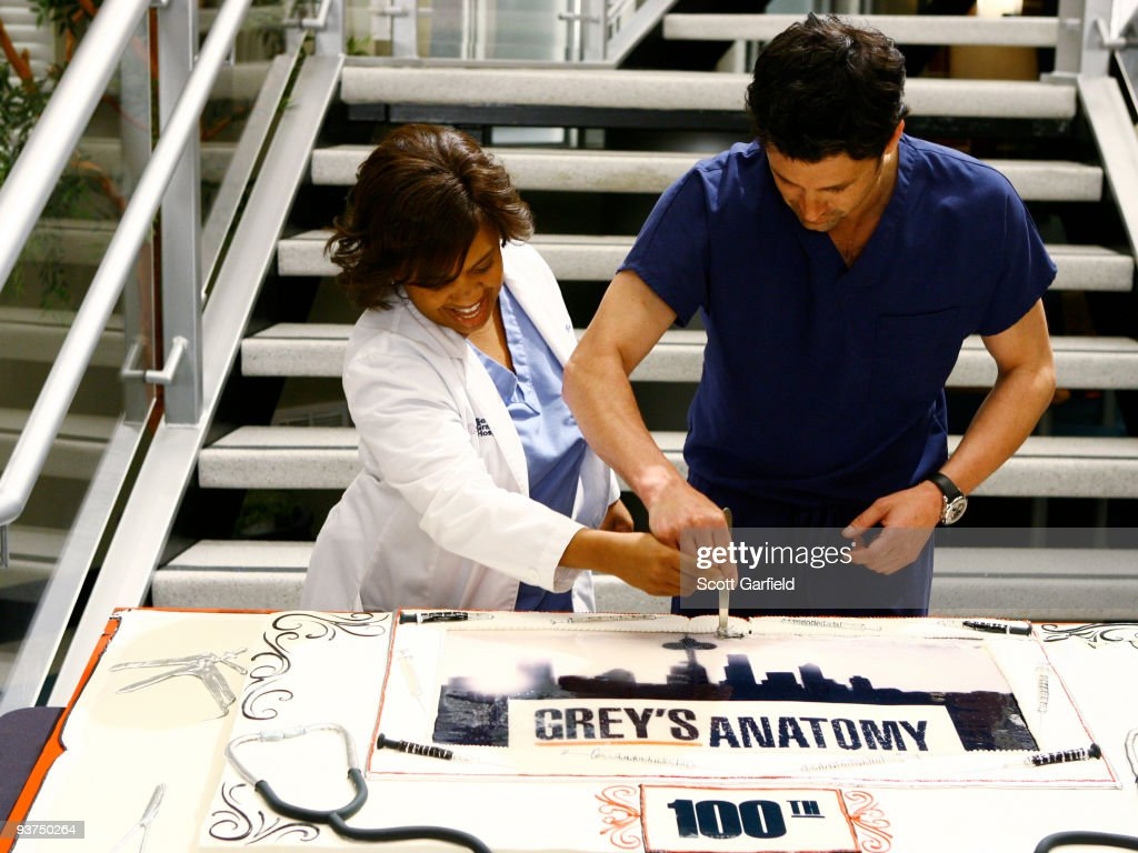 S ANATOMY - The cast, former guest stars, producers and crew of 'Grey's Anatomy' celebrated the series' 100th episode on the set of the hit show on Friday, March 27, 2009.