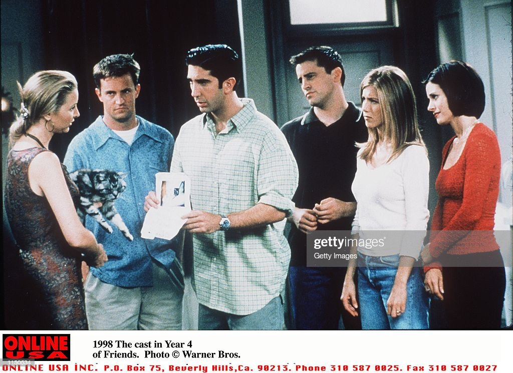 1998 The Cast in Year 4 of Friends : News Photo