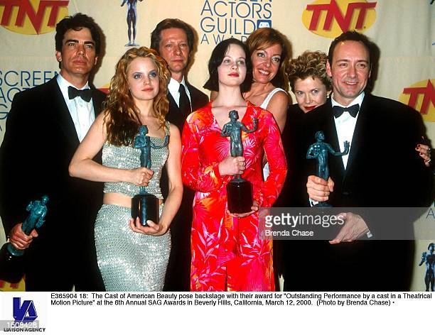The Cast of American Beauty pose backstage with their award for 'Outstanding Performance by a cast in a Theatrical Motion Picture' at the 6th Annual...
