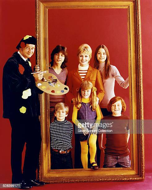 The cast of American TV sitcom 'The Partridge Family' September 1971 Clockwise from left Dave Madden David Cassidy Shirley Jones Susan Dey Danny...