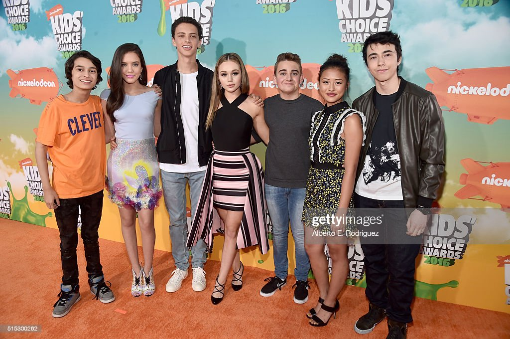 The cast of 'Bella and the Bulldogs' attend Nickelodeon's 2016 Kids' Choice Awards at The Forum on March 12, 2016 in Inglewood, California.