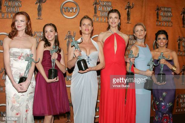 The cast of 'Desperate Housewives' Marcia Cross Andrea Bowen Nicollette Sheridan Brenda Strong Felicity Huffman and Eva Longoria pose in the press...