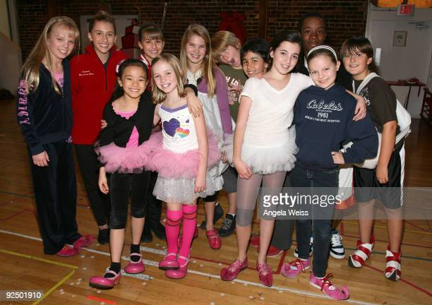 the cast of dr seuss how the grinch stole christmas attend the musical - Cast Of How The Grinch Stole Christmas