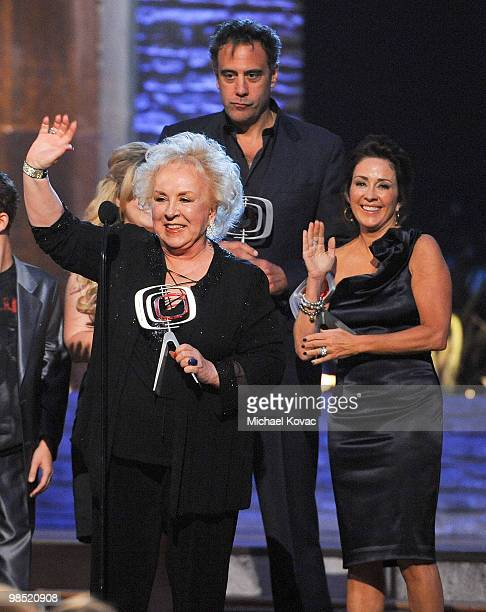 The cast of 'Everybody Loves Raymond' including Doris Roberts Brad Garrett and Patricia Heaton are honored at the 8th Annual TV Land Awards at Sony...