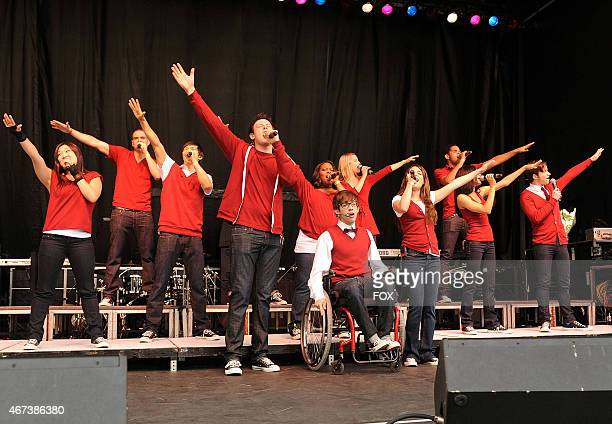 The cast of GLEE performs at the White House for the White House Easter Egg Roll on Monday April 5 2010 in Washington DC Pictured LR Jenna Ushkowitz...
