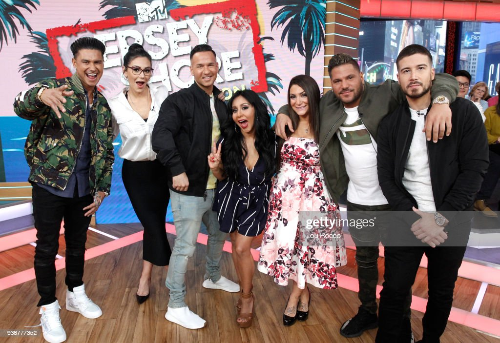AMERICA - The cast of 'Jersey Shore' are guests on 'Good Morning America,' Tuesday, March 27, 2018, airing on the ABC Television Network. DJ PAULY D, JENNIFER (JWOWW) FARLEY, MIKE (THE SITUATION) SORRENTINO, NICOLE (SNOOKI) POLIZZI, DEENA