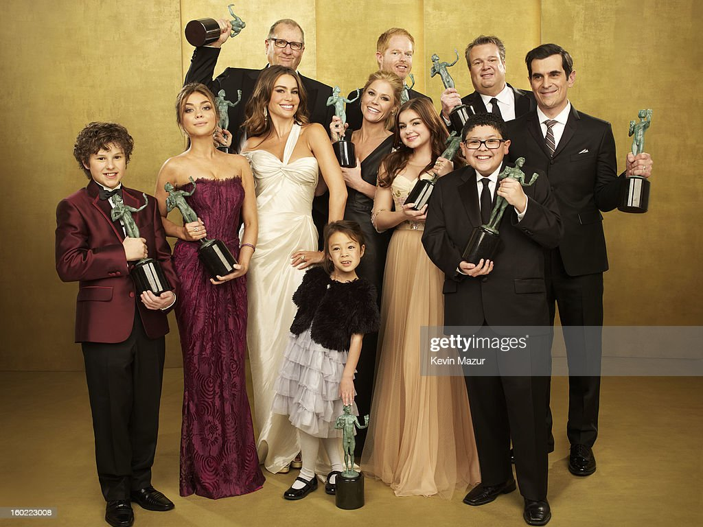 The cast of 'Modern Family' pose during the 19th Annual Screen Actors Guild Awards at The Shrine Auditorium on January 27, 2013 in Los Angeles, California. (Photo by Kevin Mazur/WireImage) 23116_027_0204_R.jpg