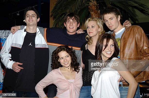 The cast of 'One Tree Hill' front row Bethany Joy Lenz and Sophia Bush back row James Lafferty Bryan Greenberg Hilarie Burton and Chad Michael Murray