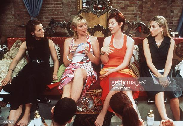 The cast of Sex And The City From lr Kristin Davis Kim Cattrall Cynthia Nixon and Sarah Jessica Parker 1999 Paramount Pictures