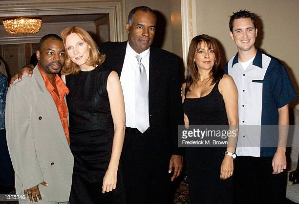 The cast of Star Trek The Next Generation from left to right LeVar Burton Gates McFadden Michael Dorn Marina Sirtis and Wil Wheaton attend the...