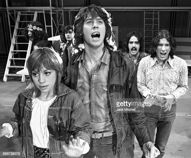 The cast of the Broadway musical Soon including Barry Bostwick Richard Gere Peter Allen Marta Heflin and Nell Carter performing in January 1971