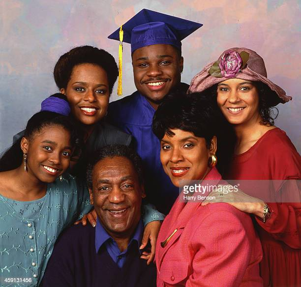 The cast of the Cosby show Bill Cosby Phylicia Rashad Sabrina Le Beauf MalcolmJamal Warner Tempestt Bledsoe and Keshia Knight Pulliam are...