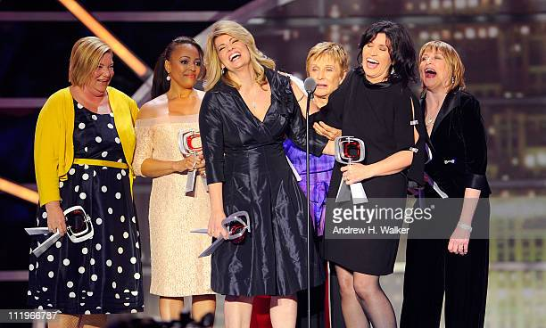 """The cast of """"The Facts Of Life"""" Mindy Cohn, Kim Fields, Lisa Whelchel, Cloris Leachman, Nancy McKeon and Geri Jewell accept the Pop Culture Award..."""
