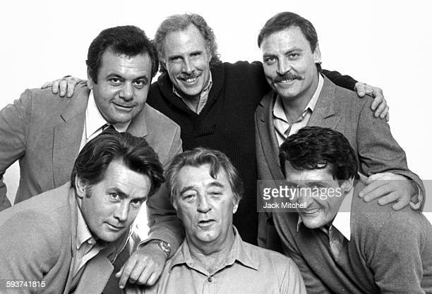 The cast of the film That Championship Season Robert Mitchum Martin Sheen Bruce Dern Stacy Keach and Paul Sorvino photographed December 7 1982