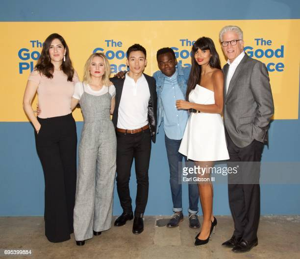 The Cast of 'The Good Place' D'Arcy Carden Kristen Bell Manny Jacinto William Jackson Harper Jameela Jamil and Ted Danson attend NBC's 'The Good...