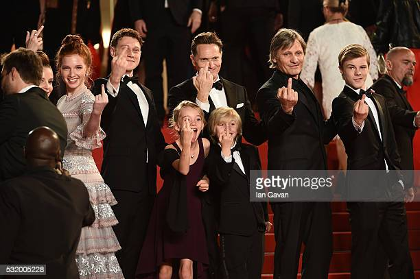 The cast of the movie 'Captain Fantastic' actress Shree Crooks actor George MacKay actress Annalise Basso director Matt Ross actor Viggo Mortensen...