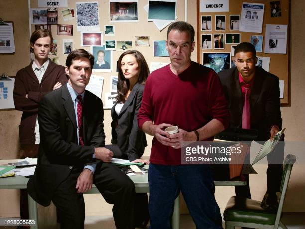 """The cast of the new CBS television series suspense thriller """"Criminal Minds"""" includes : Thomas Gibson, Matthew Gray Gubler, Mandy Patinkin, Lola..."""
