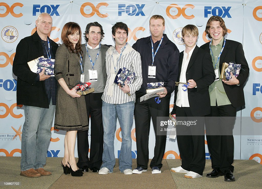 """Cast And Producers of Fox Hit """"The O.C."""" Receive Key to Newport Beach : News Photo"""