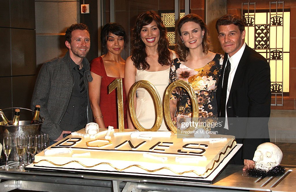 The cast of the television show 'Bones', (L-R) T.J. Thyne, Tamara Taylor, Michaela Conlin, Emily Deschanel, and David Boreanaz attend the 100th Episode celebration at Fox Studios on January 26, 2010 in Los Angeles, California.