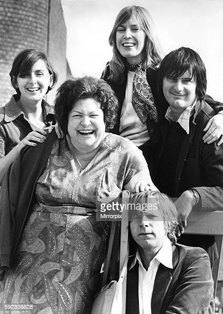 The cast of the Tyneside Theatre production of Noel Coward's play Private Lives left to right Pat England Mimi de Braie Deborah Norton John Wells and...