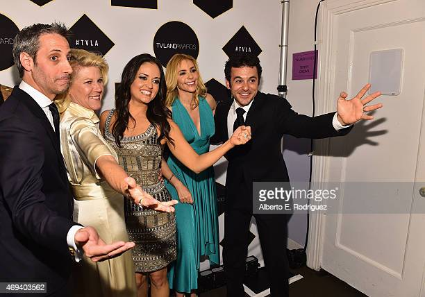 """The cast of """"The Wonder Years"""" actors Josh Saviano, Alley Mills, Danica McKellar, Olivia d'Abo and Fred Savage pose backstage with the Impact Award..."""
