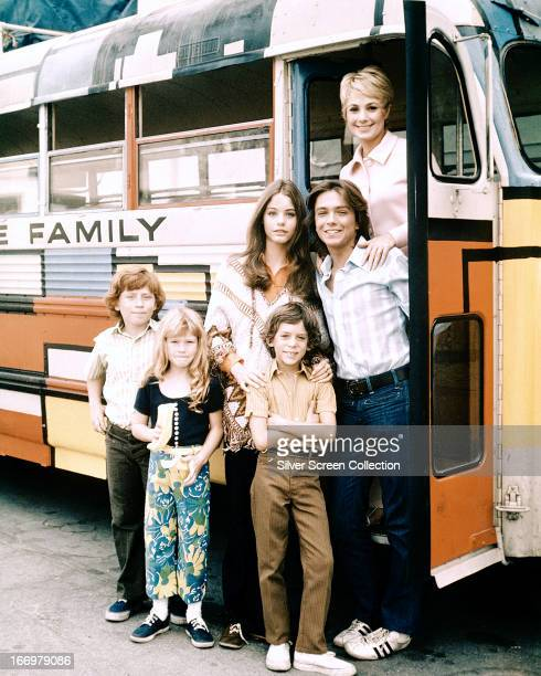 The cast of TV sitcom 'The Partridge Family' circa 1971 Clockwise from top right Shirley Jones David Cassidy Jeremy Gelbwaks Suzanne Crough Danny...