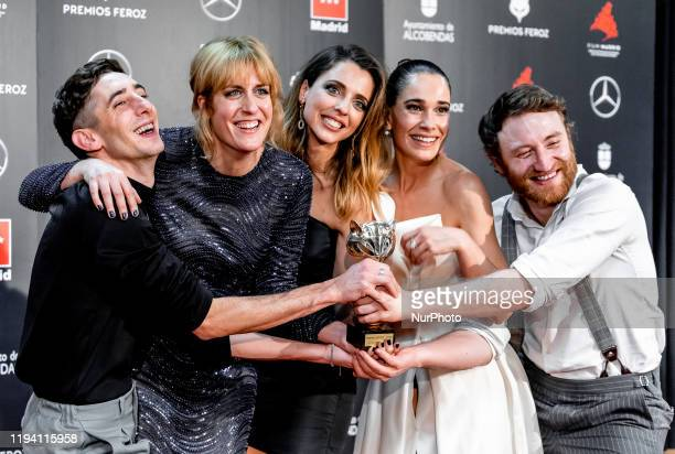 The cast of 'Vida perfecta' poses in the Press Room after winning the Best comedian tv show Award during Feroz awards 2020 at Teatro Auditorio Ciudad...