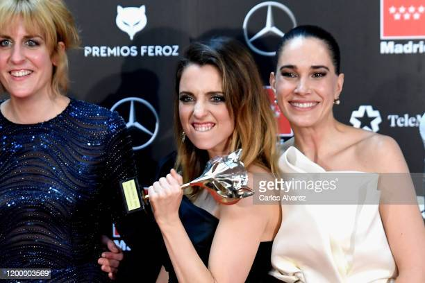 The cast of 'Vida perfecta' poses in the Press Room after winning the Best comedian tv show Award during 'Feroz Awards' 2020 at Teatro Auditorio...