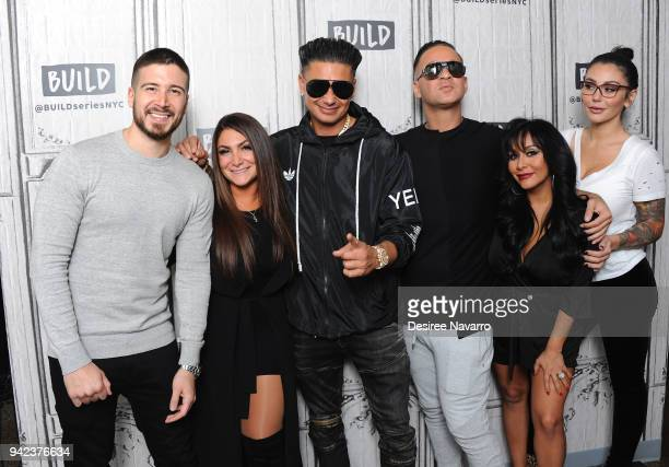 The cast Vinny Guadagnino, Deena Nicole Cortese, Paul 'Pauly D' Delvecchio, Mike 'The Situation' Sorrentino, Nicole 'Snooki' Polizzi and Jenni...