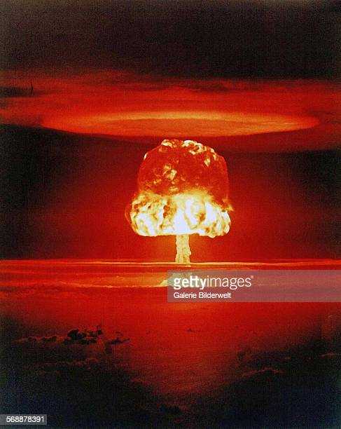 The Castle Union test of the Mark 14 design April 1954 The Mark 14 nuclear bomb was a 1950s Strategic thermonuclear weapon the first solidfuel staged...