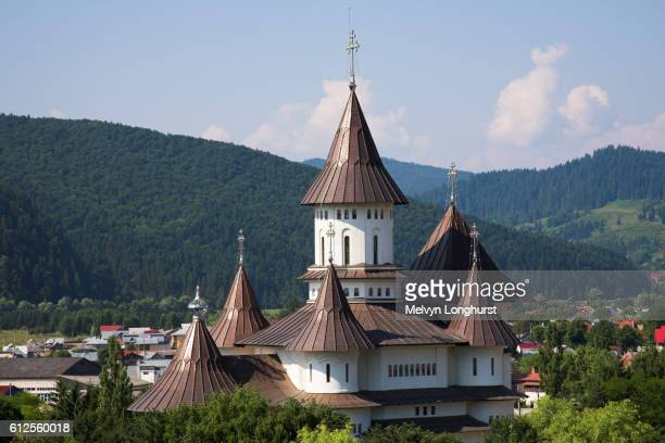 the cathedral, gura humorului, southern bucovina, moldavia, romania - moldavia fotografías e imágenes de stock