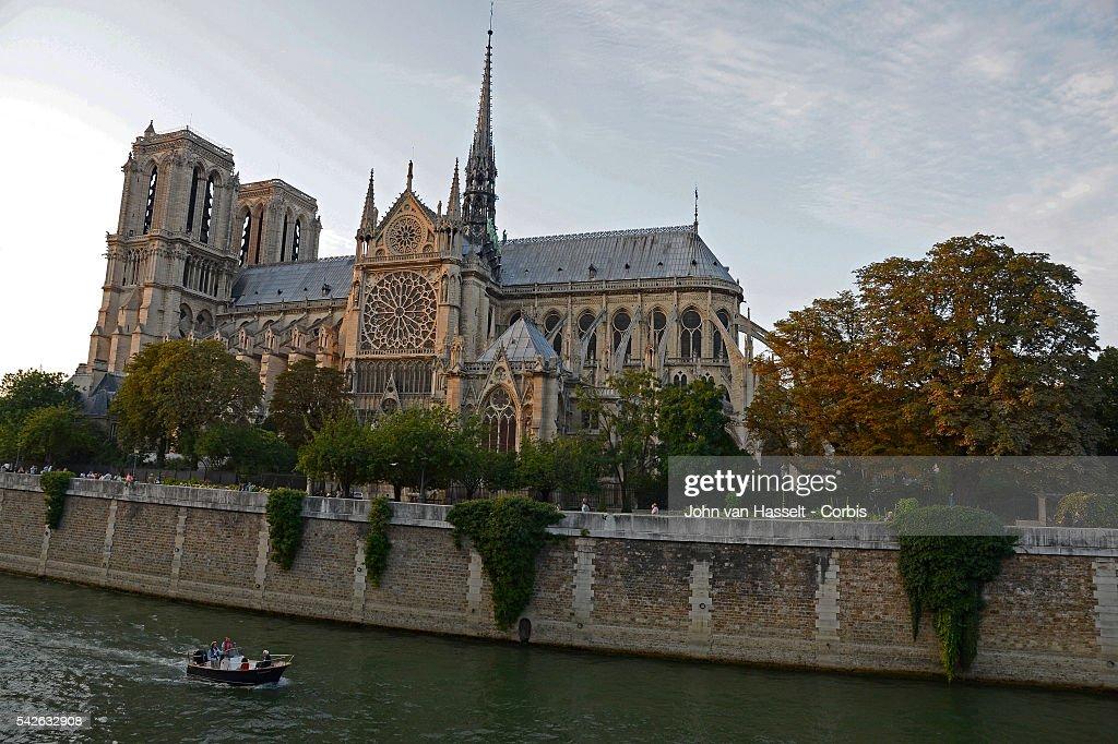 France - Notre-Dame de Paris 850th Anniversary : News Photo