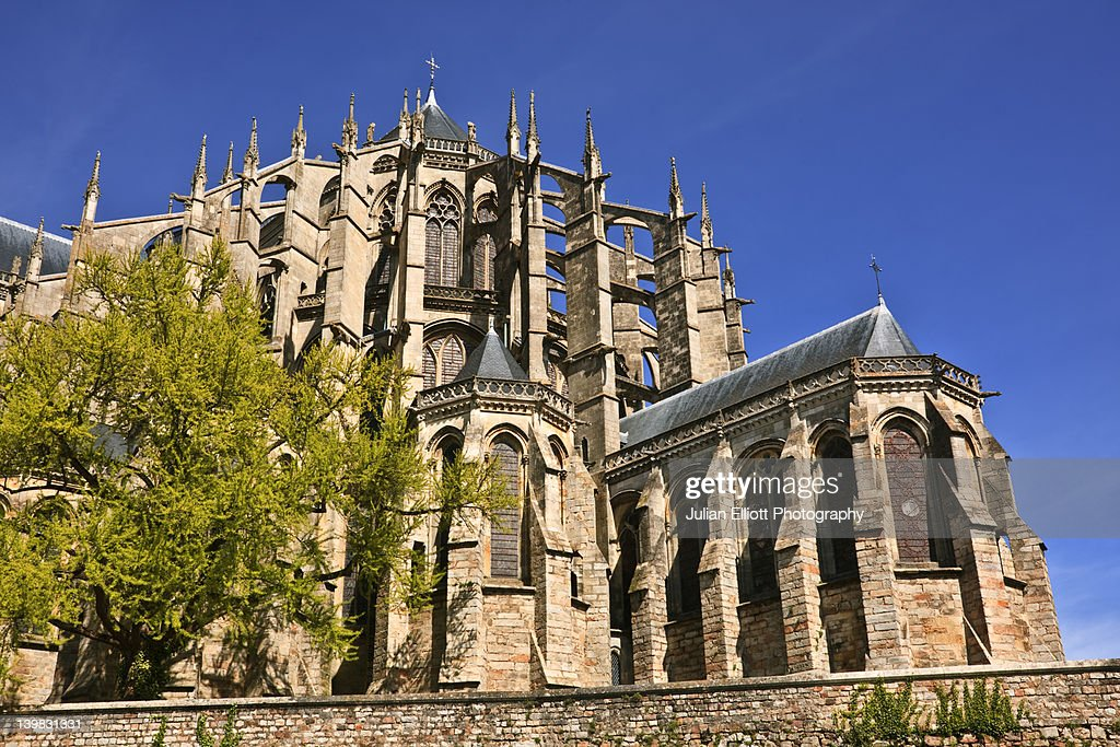 The cathedral of St Julien in Le Mans, France. This historic city is found in the department of Sarthe. The cathedral is dedicated to the city's first bishop and was built and rebuilt over various centuries beginning in the 9th century. : Stock Photo