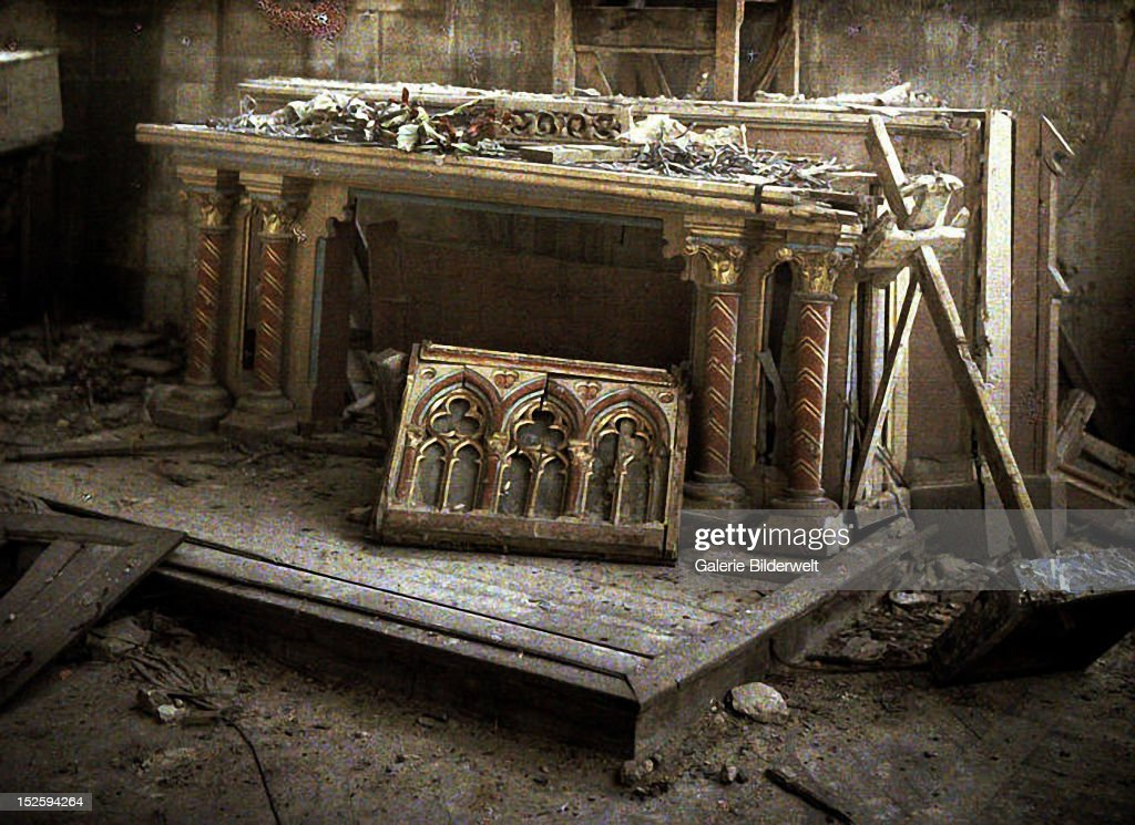 The cathedral Saint-Gervais-et-Saint-Protais, built in 1180, Basilica minor since 1857, heavily damaged during World War I. 1917. Color photo (Autochrome Lumière) by Fernand Cuville (1887-1927). Soissons, Aisne, France.