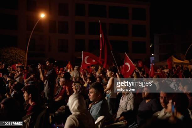 la celebración de la democracia en turquía - julio fotografías e imágenes de stock