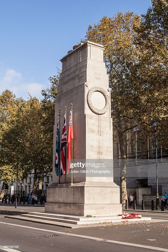 The Cenotaph in Whitehall Avenue, Westminster. : Stock Photo