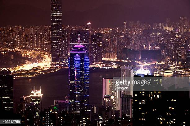 香港の中心街からビクトリアピークの夜の眺め - 中環中心 ストックフォトと画像