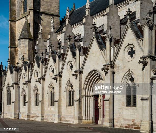 the central square and the cathedral of the beautiful city of auxonne in burgundy, france - côte d'or bildbanksfoton och bilder