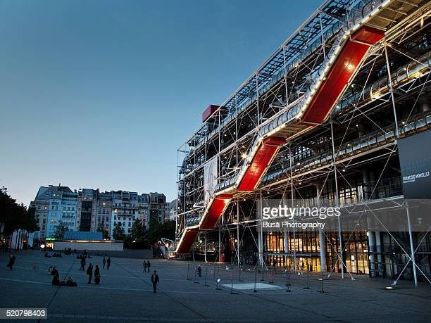 the centre pompidou in paris at twilight - centre georges pompidou stock pictures, royalty-free photos & images