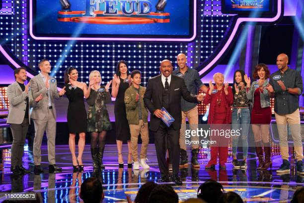 FEUD The Chainsmokers vs 5 Seconds of Summer and Boris Kodjoe Nicole Ari Parker vs Eric Winter and Roselyn Sánchez Two of the biggest groups in pop...