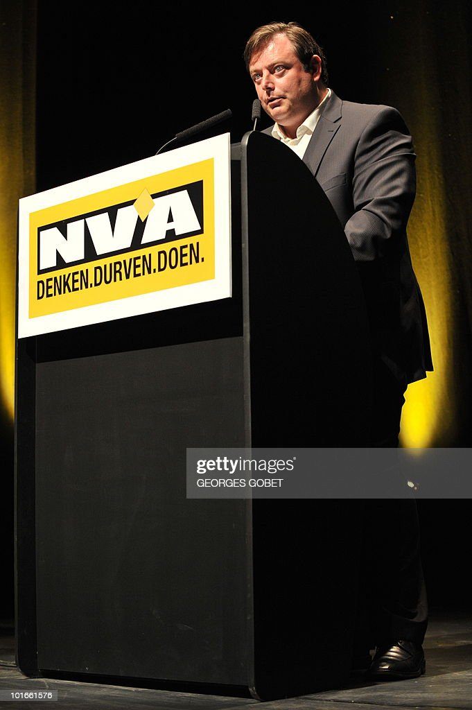 The chairman of the Flemish nationalist party N-VA, Bart De Wever, speaks on June 6, 2010 during an election meeting in Gent. Belgium's parliament dissolved itself on June 3, paving the way for general elections made inevitable by the collapse of the ruling coalition last month. The elections are set for June 13.
