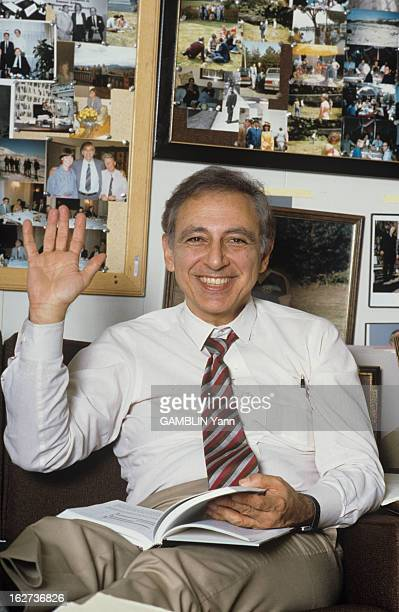 The Champions Of Hope For Research On Aids Robert Gallo Washington Mars 1988 Les champions de l'espoir de la recherche sur le SIDA Robert GALLO...