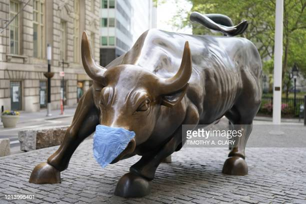 934 Wall Street Bull Photos And Premium High Res Pictures Getty Images